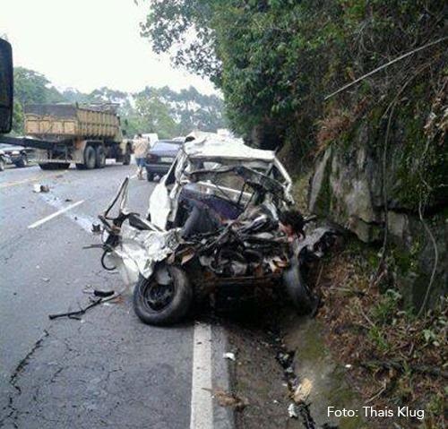 Carro acidente BR-470