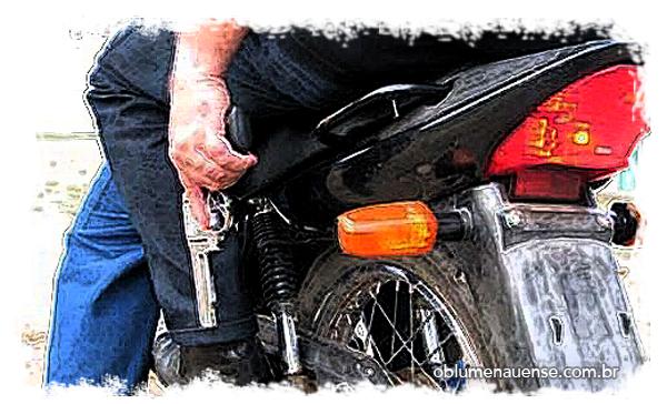 roubo com moto ilustrada 1