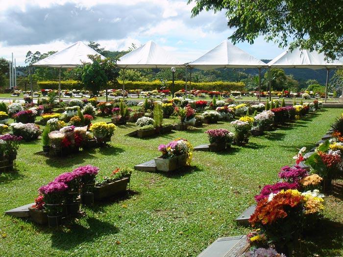 cemiterio-Jardim-da-Saudade_Vasos