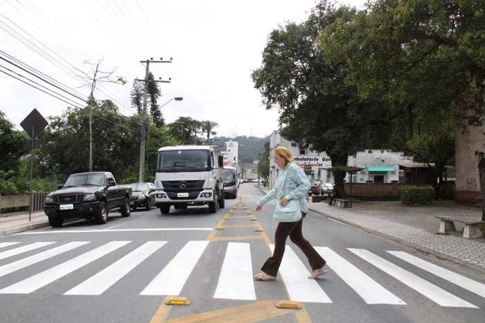 pintura-faixa-rua-Itajai