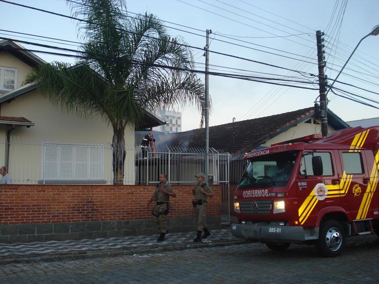 Incendio-R-Carlos-Jensen-03