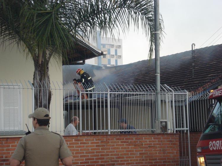 Incendio-R-Carlos-Jensen-04