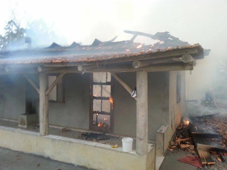 Incendio-casa_Pouso-Redondo_23.5.14_01