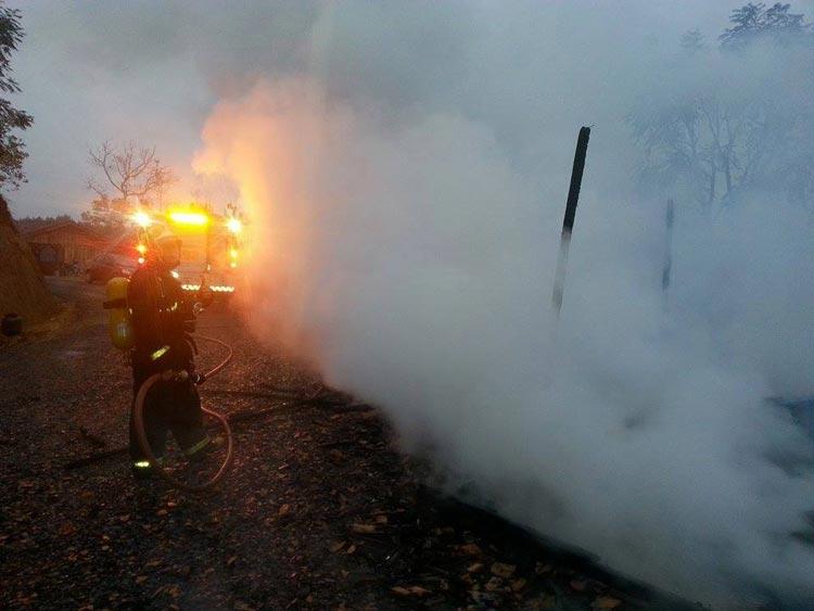 Incendio-casa_Pouso-Redondo_23.5.14_05