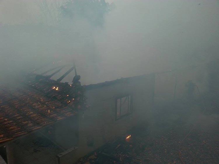 Incendio-casa_Pouso-Redondo_23.5.14_06