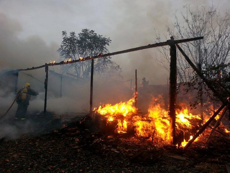Incendio-casa_Pouso-Redondo_23.5.14_07