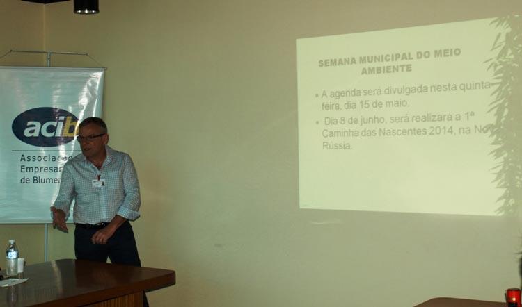 O vice-coordenador do Núcleo de Gestão Ambiental, Adolfo Hiebert, falou sobre as atividades do grupo.