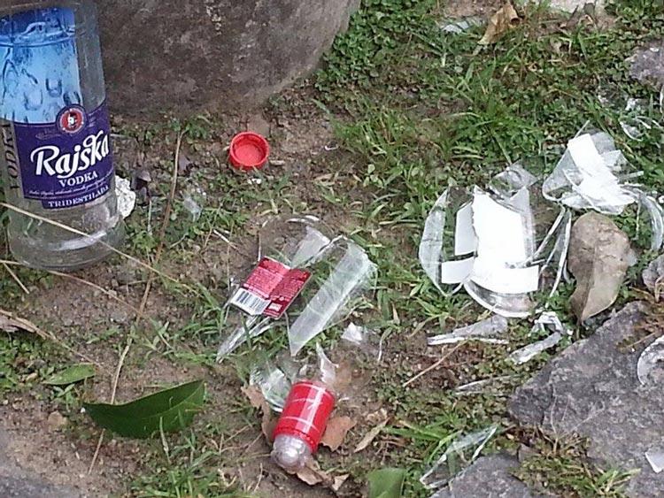 lixo-pos-festa-02