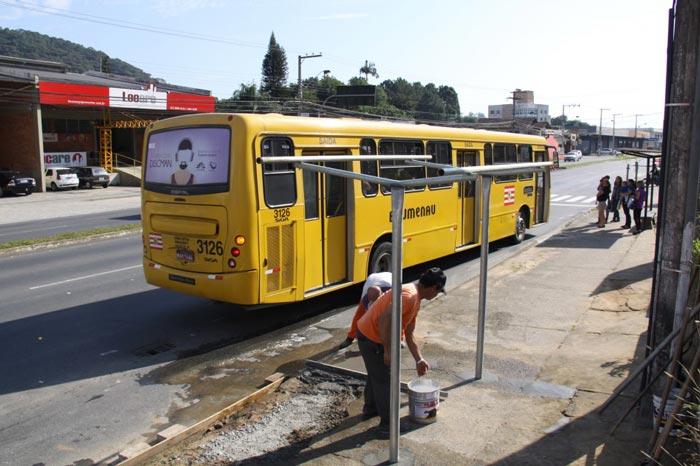 ponto-onibus-rua-Missoes