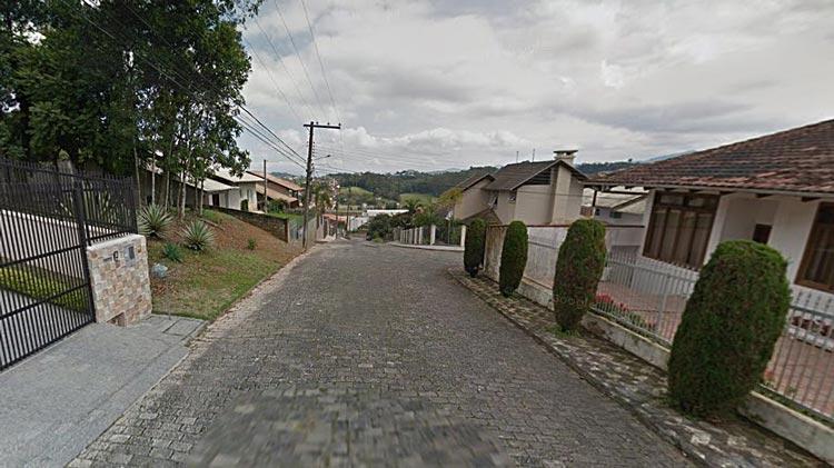 Rua Cacilda Becker, bairro Fortaleza