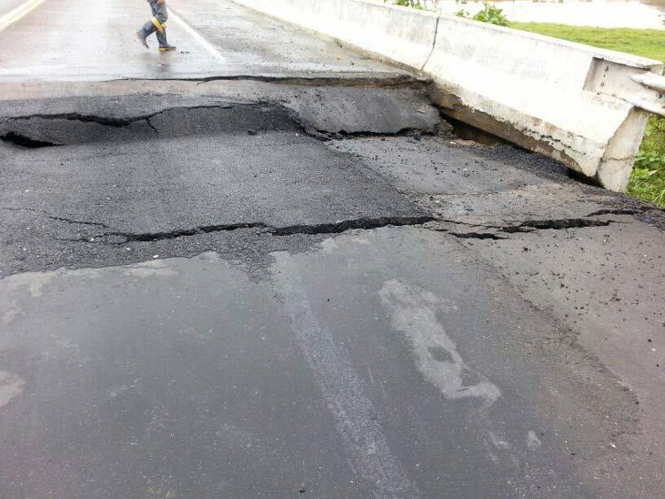 Ponte-Ilhota-danificada_02