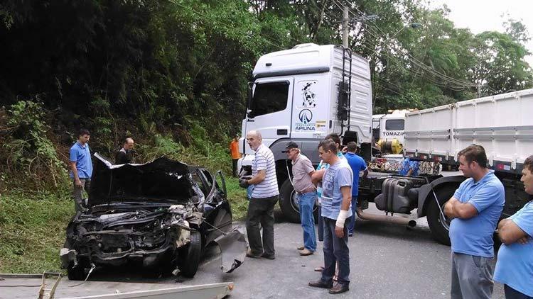 acidente_Vila-Itoupava_16-6-14_06