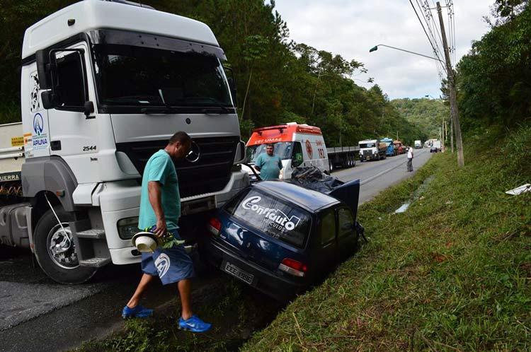acidente_Vila-Itoupava_16-6-14_07