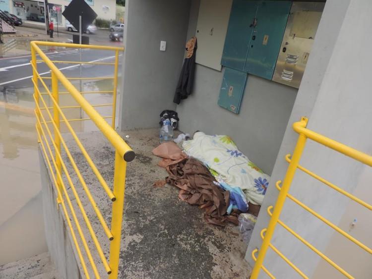 homem-dormindo-rua