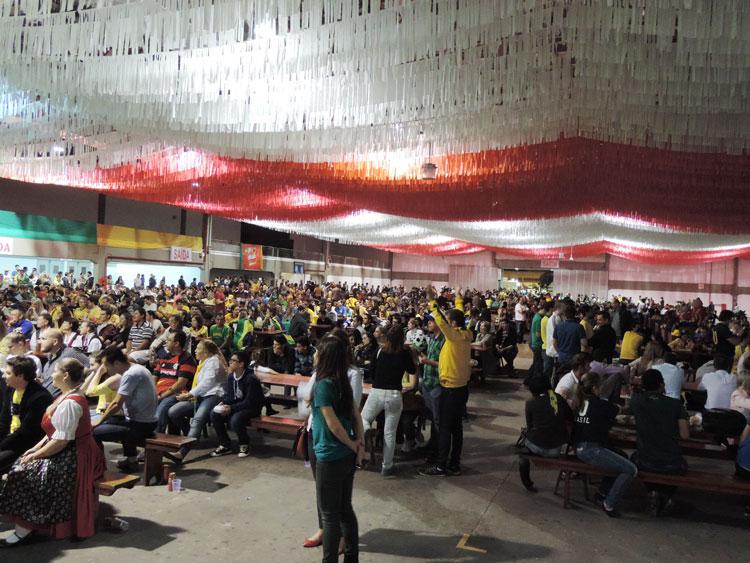 Dia-Jogo-Brasil_8-7-14_13