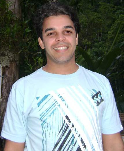 Designer gráfico André Durante.