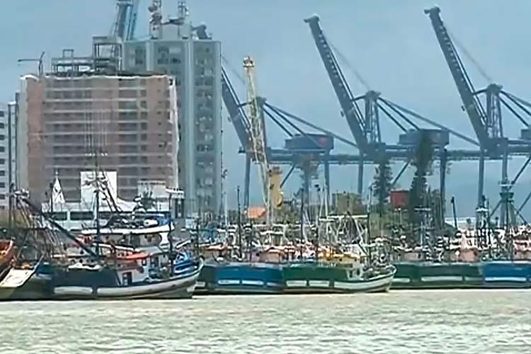 greve-canal-Rio-Itajai-Acu_01