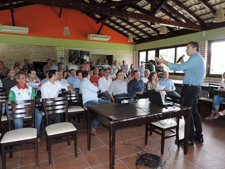 Parque Alcantaro Correa 6-3-15 (6)