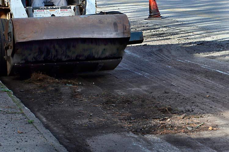 Frenagem-asfalto-obras
