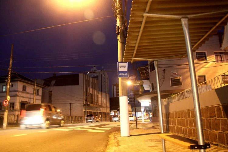 Ponto-onibus_R-Sao-Paulo_01