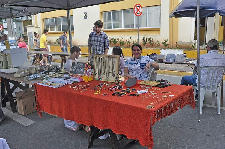 3o-Mercado-Pulgas_Gaspar_19-7-15_08