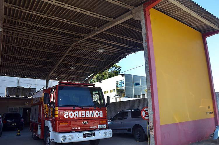 Bombeiros_R-Ari-Barroso_1-7-15_01