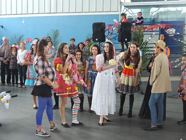 Pro-Familia Festa Julina 15-7-15 (32)