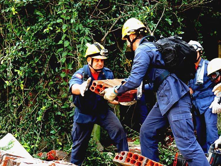Simulacao_defesa-civil_4-7-15_12