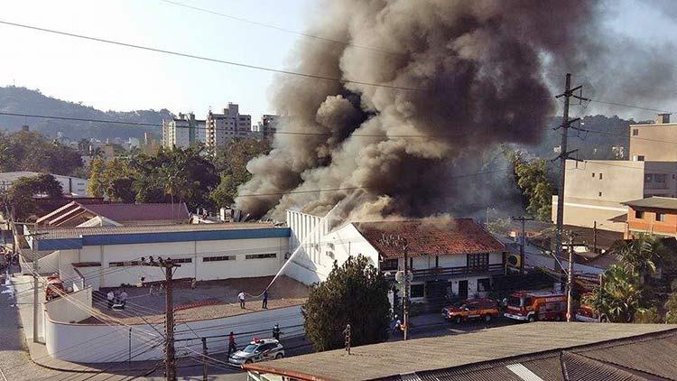 Incendio-Blukit_3-8-15_21