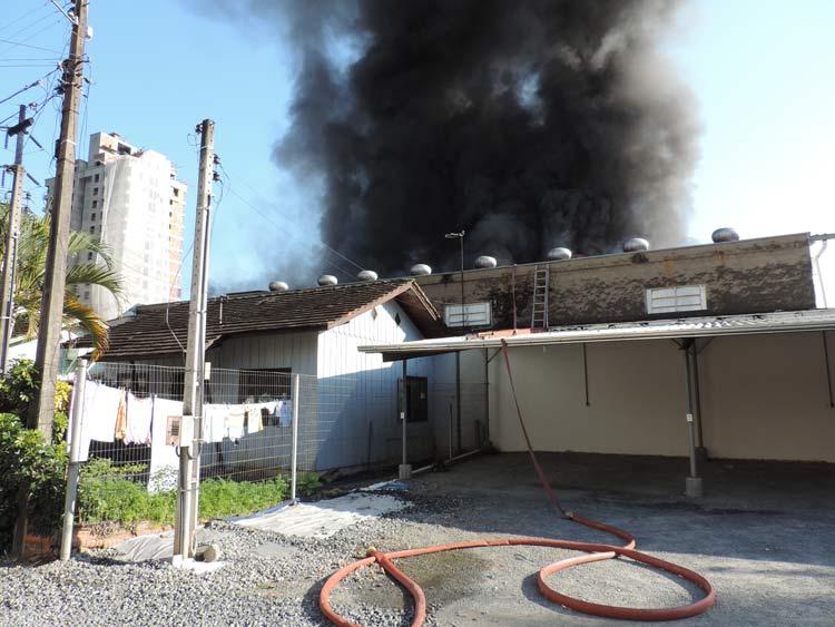 Incendio-Blukit_3-8-15_39