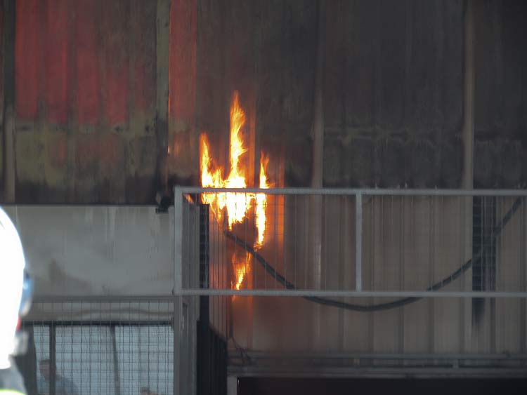 Incendio-Blukit_3-8-15_46