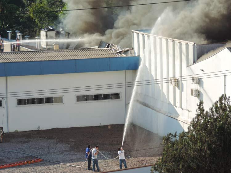 Incendio-Blukit_3-8-15_53