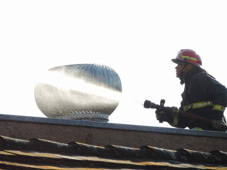 Incendio-Blukit_3-8-15_54