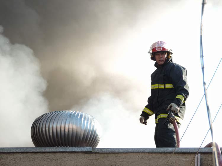 Incendio-Blukit_3-8-15_55