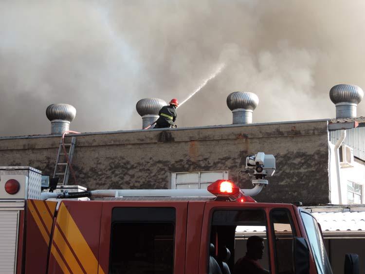 Incendio-Blukit_3-8-15_56