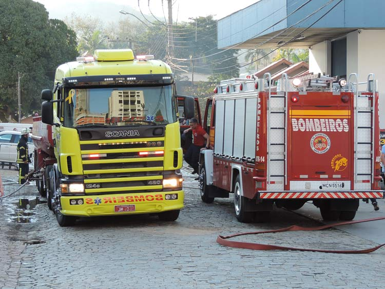 Incendio-Blukit_3-8-15_60