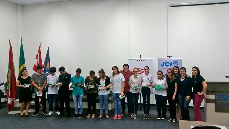 Concurso-Oratoria-Escolas_24-11-15_02