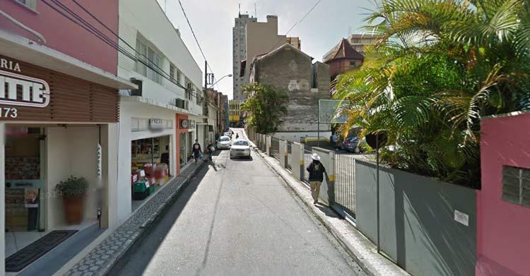 Imagem: Google Maps (Street View) Agosto 2011