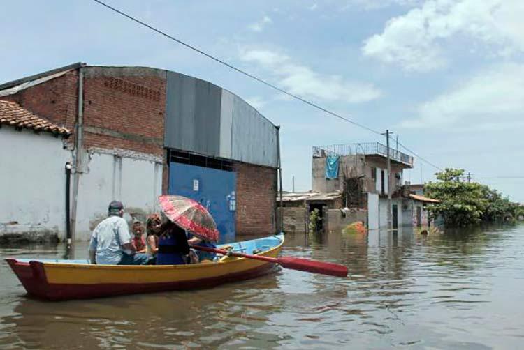 Paraguai registra pior situação de enchente entre os países da América do Sul: são mais de 130 mil desabrigadosEPA/Andres Cristaldo Benitez / Agência Lusa