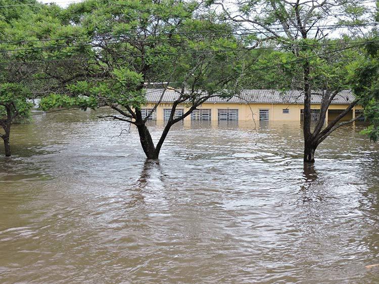 Enchente-Uruguaina_25-12-15_01