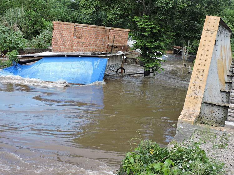 Enchente-Uruguaina_25-12-15_03
