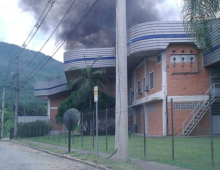 Incendio_Fakini-Malhas_19-12-15_05