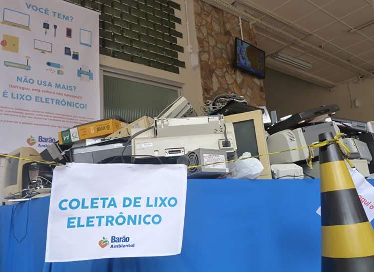 Lixo-eletronico_Escola-Barao_3-12-15_01