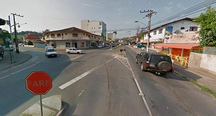 Local aproximado do acidente, segundo a guarda de trânsito   Imagem: Google Maps (Street View) Setembro 2015