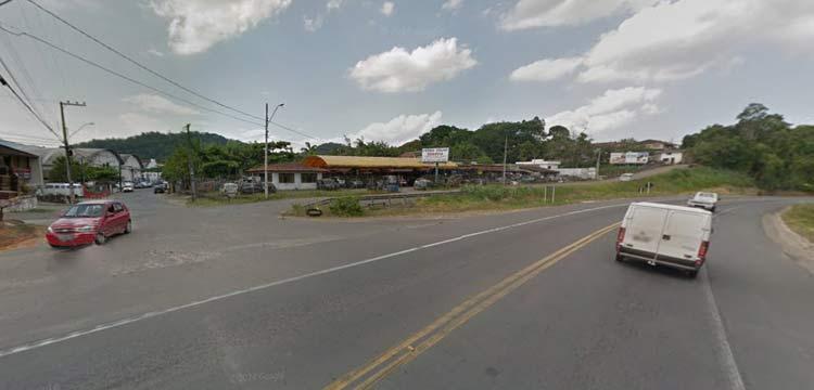 Entrada da Rua Maringá pela BR-470 | Imagem: Google Maps (Street View) | Janeiro 2014