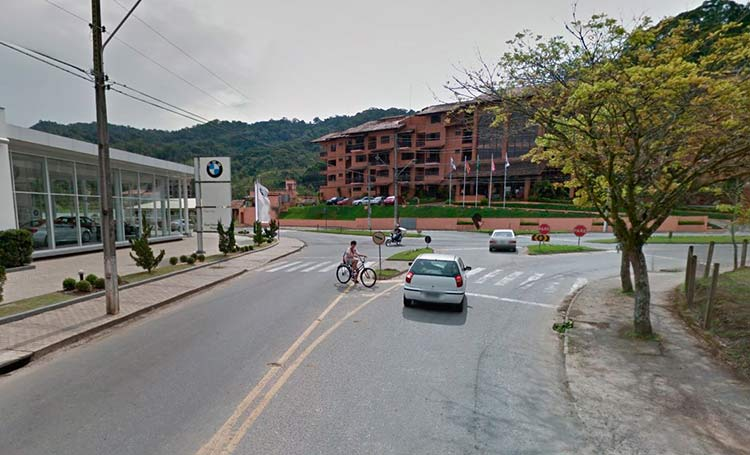 Imagem: Google Maps (Street View) | Agosto 2011