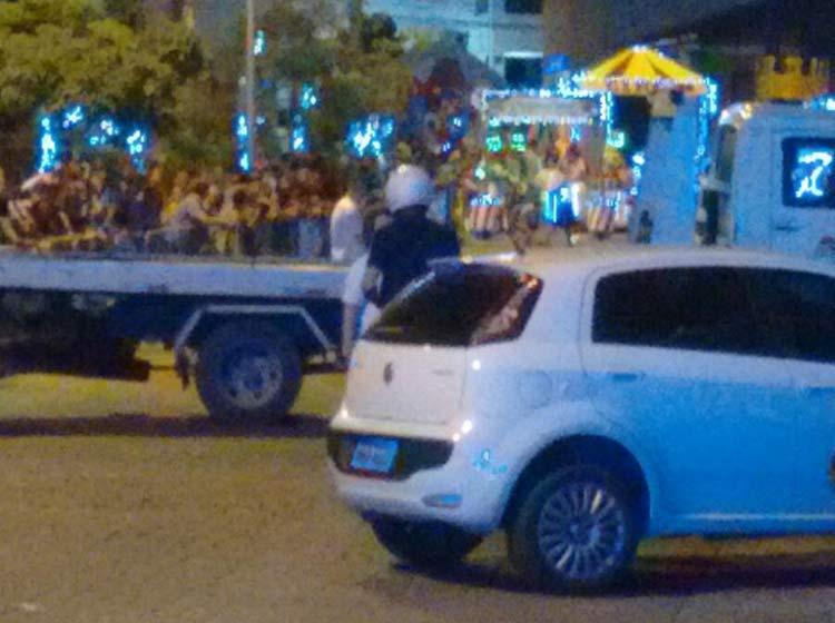 veiculo-desfile-Natal_5-12-15_01