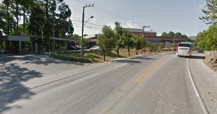 Unidade Malwee em Blumenau, localizada na Rua Itajaí,   Imagem: Google Maps (Street View)   Fevereiro 2014