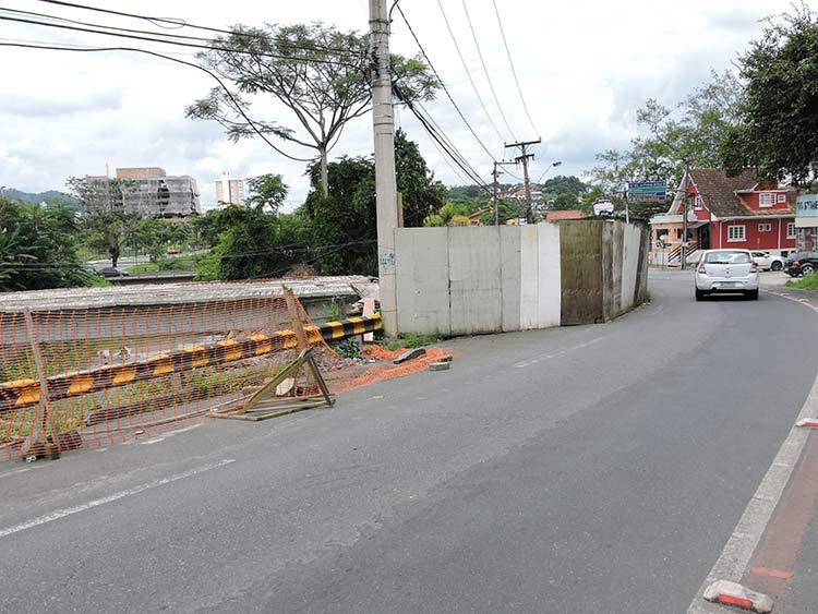 Obras ponte R Mariane Bronemann 12-01-16 (12)