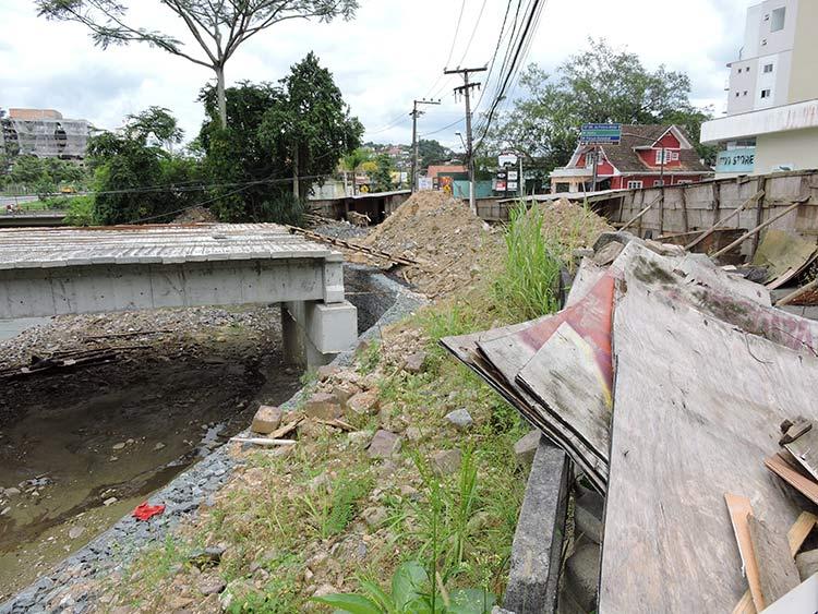 Obras ponte R Mariane Bronemann 12-01-16 (6)